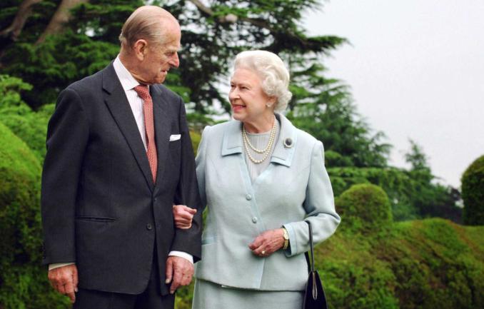 英国菲利普亲王葬礼活动上宾客的表情成为一大亮点