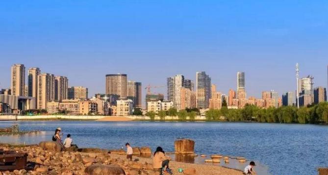 杭州除了秀美的西湖之外,还有国内最大的人工湖泊