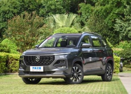 最近汽车之家上发布的2021款新宝骏360车辆外观吸引很多人关注