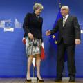 专业心理学家分析特蕾莎梅在辞去英国首相时表情体现怎样心态
