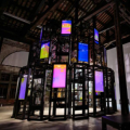 最近在成都举办的2021年度国际艺术展中出现很多时尚影视作品