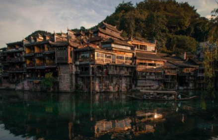 最近反映湖南湘西人文风土人情变迁的影视影响展在湖南开幕
