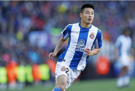 大比分战胜关岛球队之后,足球球迷预测下场比赛中国队阵容