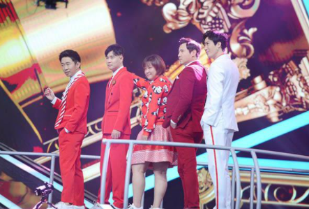 浙江卫视综艺节目《王牌对王牌》下播之后由《奔跑吧》接档