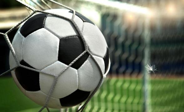 很多足球球迷想知道明年梅西是否还会代表着巴塞罗那征战?
