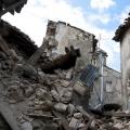地震是具有破坏力的地理自然灾害,带来的破坏往往十分巨大