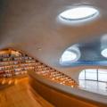 最近网络上很多爱好旅游朋友表示最想去的景点是云洞图书馆
