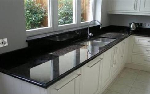 比较橱柜台面不锈钢好还是石英石好,家居市场销量自有定论